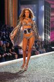 th_97763_Victoria_Secret_Celebrity_City_2007_FS409_123_1014lo.jpg