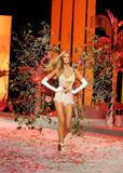 th_12858_Victoria_Secret_Celebrity_City_2008_FS_1232_123_1170lo.jpg