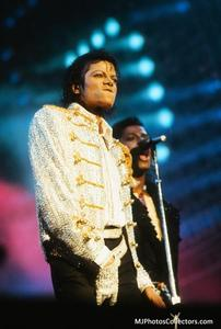 1984 VICTORY TOUR  Th_754463181_gallery_948_1333_144968_122_255lo