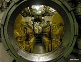 http://img125.imagevenue.com/loc707/th_37455_submarine12_122_707lo.jpg